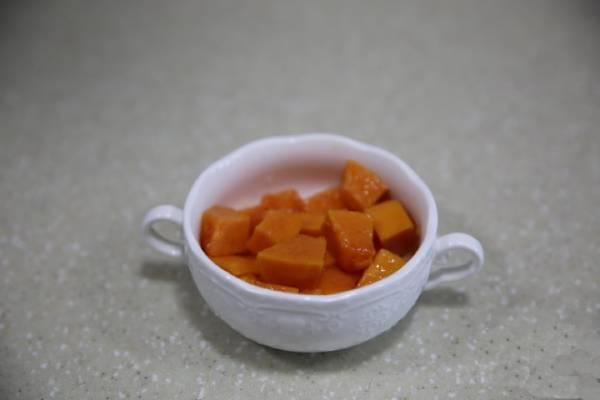 牛奶木瓜炖雪蛤的做法