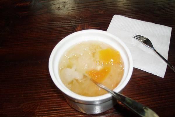 雪蛤膏可以早上空腹吃吗,何时吃最好