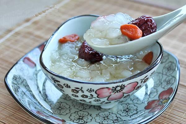红枣枸杞炖雪蛤的做法
