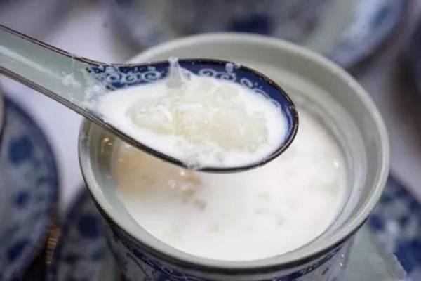 牛奶炖雪蛤的功效
