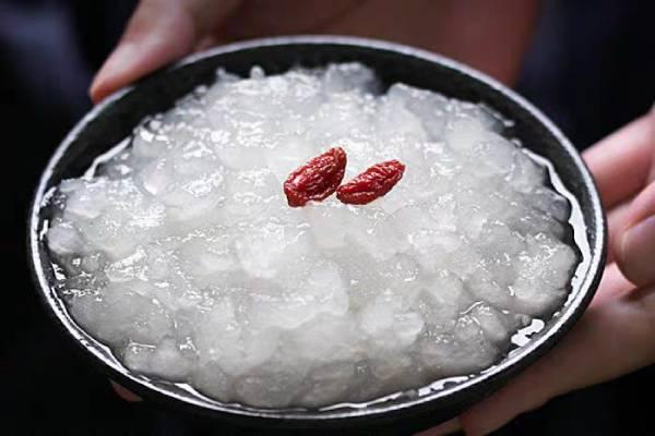 雪蛤适合更年期吃吗