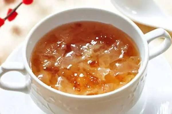 雪蛤炖桃胶的功效与作用