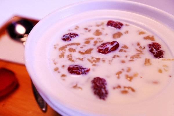 红莲椰汁炖雪蛤