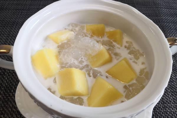 芒果牛奶炖雪蛤的做法
