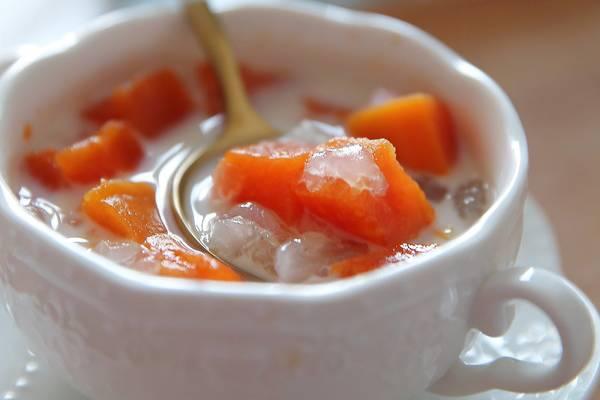 鲜奶木瓜炖雪蛤的做法
