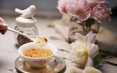 燕窝和花胶哪个好, 女人吃花胶还是燕窝好?