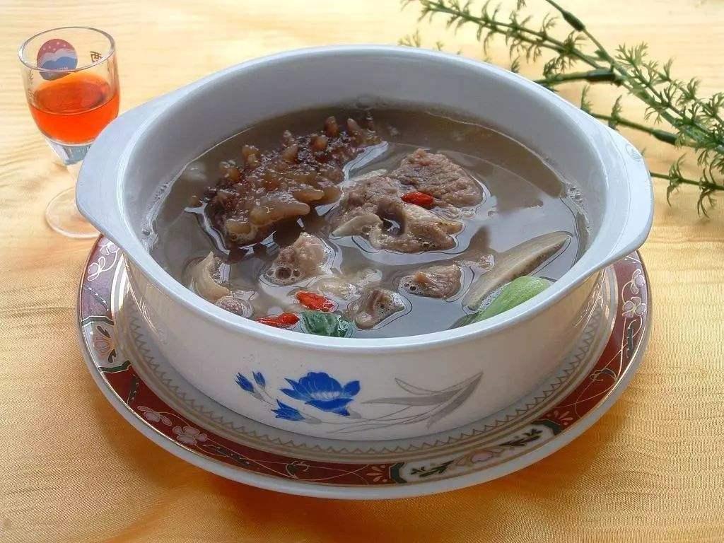 海参炖鸡汤的家常做法